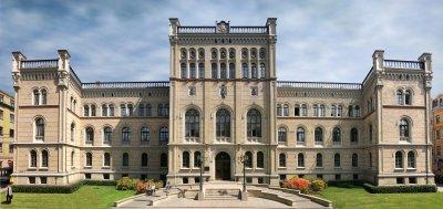 Latvijas Universitātes centrālā ēka